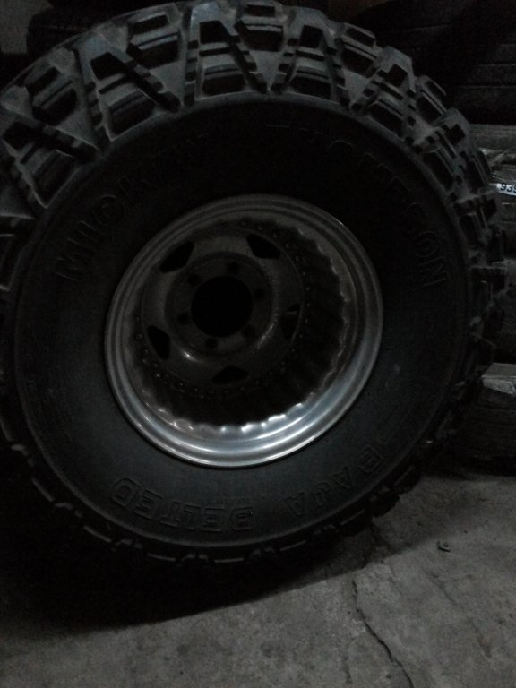 36 14,5R15 Mickey Thompson 1600$.jpg